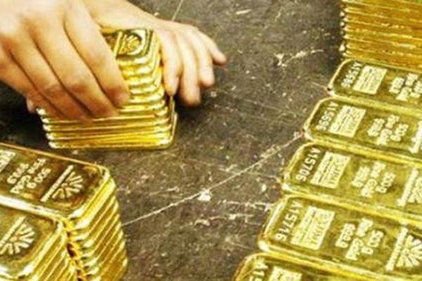 Giá vàng hôm nay 8/4: Sắp quay về mốc 55 triệu đồng/lượng