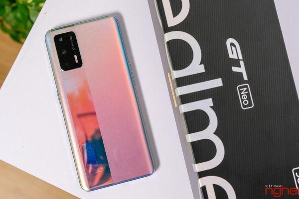 Trên tay Realme GT Neo: chip Dimensity 1200 mạnh mẽ, giá chỉ 6,9 triệu đồng