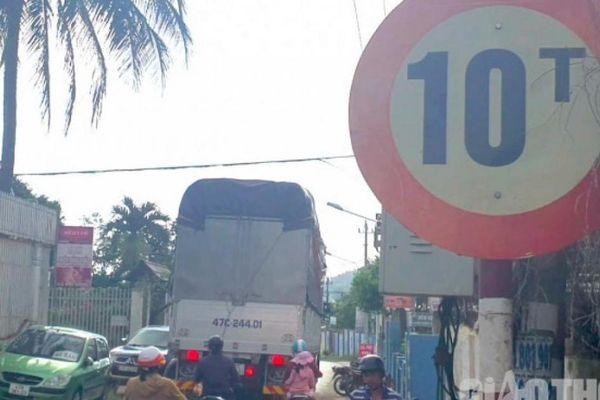 Kỳ 1: Xe tải trọng 'khủng' vô tư cày, phá đường Buôn Ma Thuột
