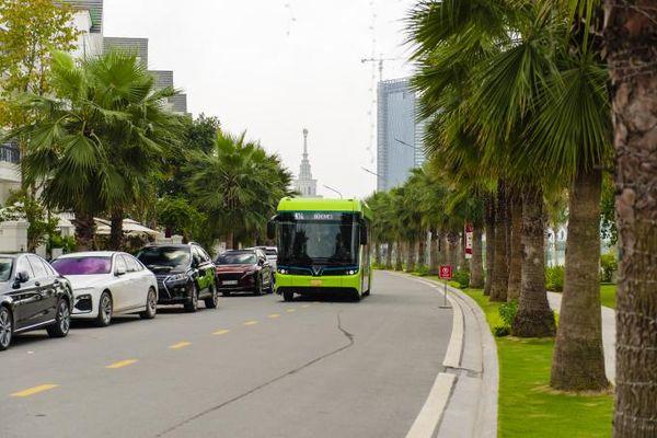 Xe buýt điện VinFast chính thức lăn bánh tại Việt Nam