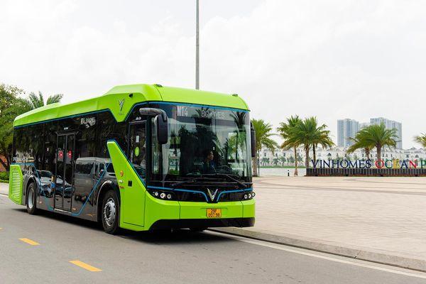 Chính thức vận hành xe buýt điện thông minh VinBus tại Việt Nam