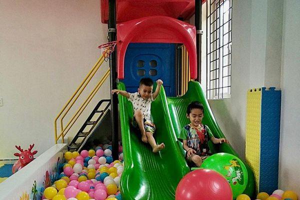 Trường học trên đảo Trần đã có khu vui chơi