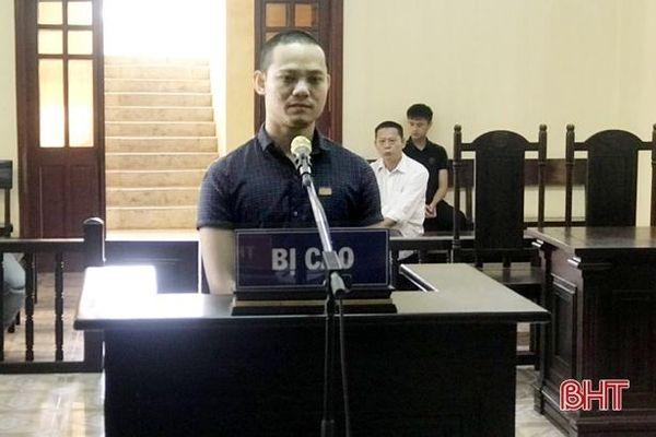 Hà Tĩnh: Đưa ma túy vào quán karaoke để 'phê', 9X lĩnh án 20 tháng tù
