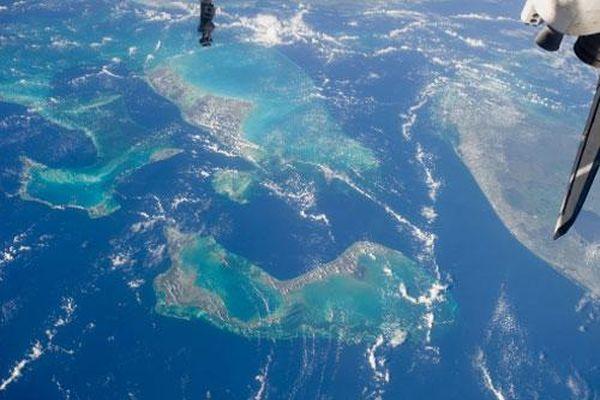 Màu xanh sâu thẳm của nước biển là biểu hiện của sự chết chóc?