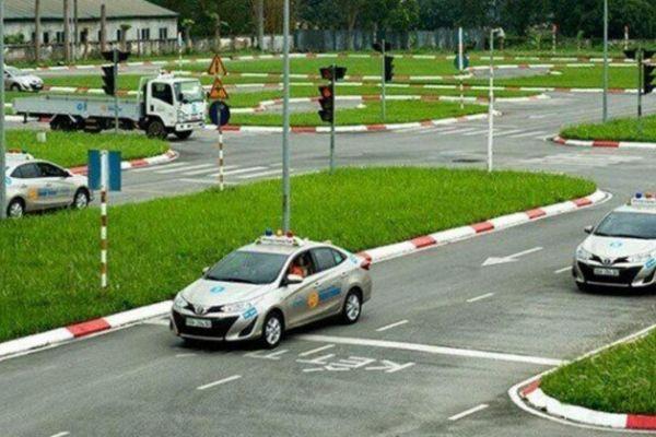 Các trung tâm sát hạch lái xe hướng đến thủ tục online qua ứng dụng ĐTDĐ