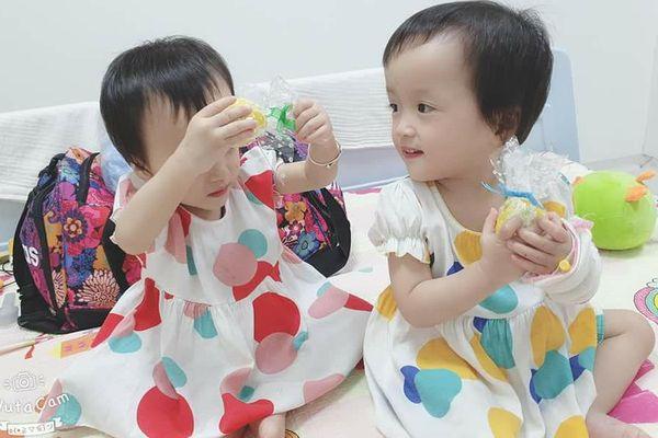 Cặp song sinh Trúc Nhi - Diệu Nhi phẫu thuật để hoàn chỉnh đường tiêu hóa
