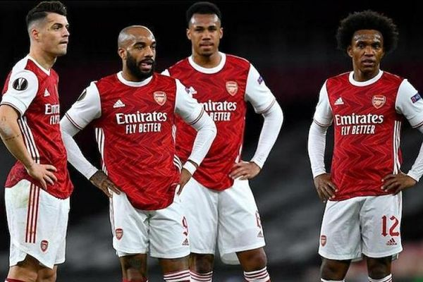Keown: 'Arsenal cần bị ai đó đấm vào mặt'