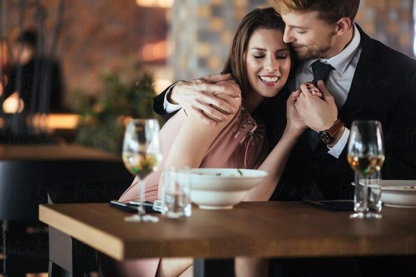 Tham khảo 5 bí quyết để thu hút chàng ngay từ lần hẹn hò đầu tiên