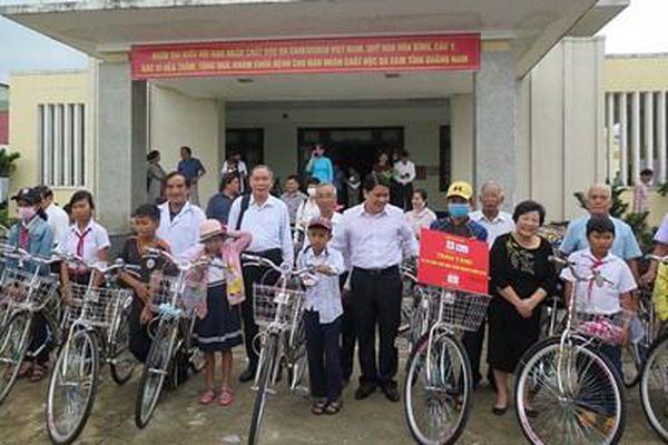 Thăm, tặng quà người có công, nạn nhân chất độc da cam tỉnh Quảng Nam