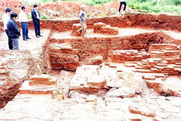 Mở đợt khai quật thứ 2 tại phế tích tháp Châu Thành