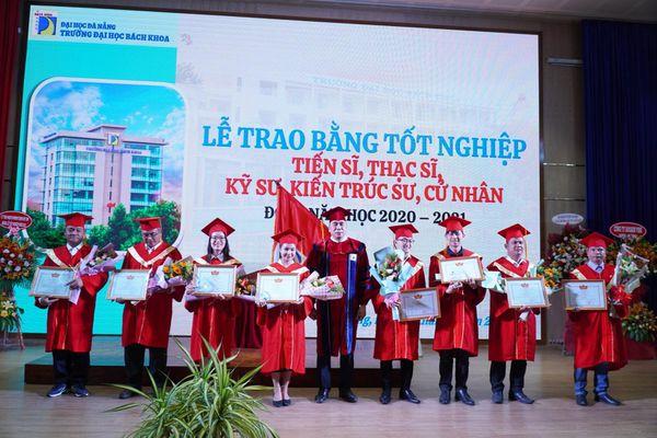 Trường ĐH Bách khoa (ĐH Đà Nẵng): Trao bằng tốt nghiệp đợt I năm học 2020 - 2021
