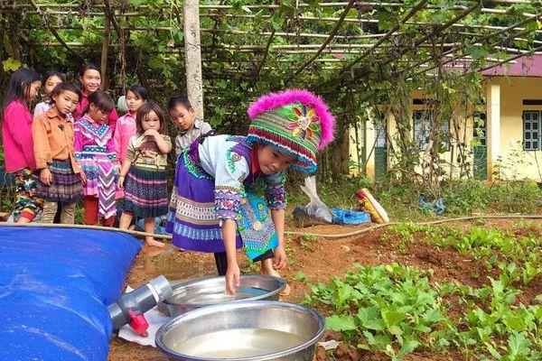 Mong nước cho những ngôi trường 'vùng khát'