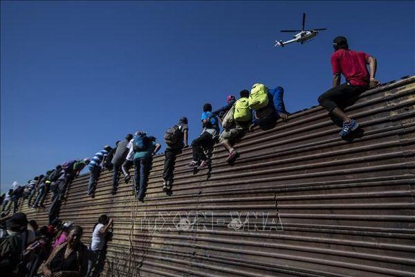 Mỹ cân nhắc hỗ trợ tiền mặt cho Trung Mỹ để giải quyết khủng hoảng di cư