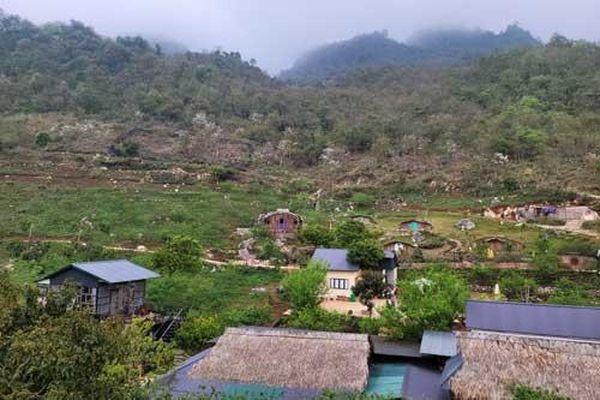 Về Mộc Châu khám phá 'thác Nàng Tiên', đi tìm 'Phố núi Tình yêu'