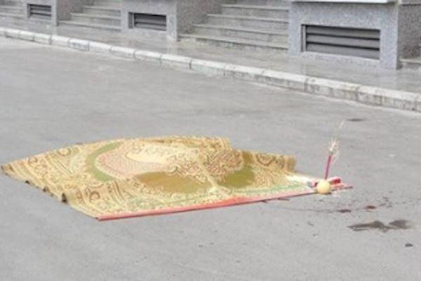 Bàng hoàng phát hiện thi thể người đàn ông nước ngoài rơi từ tầng cao của tòa nhà xuống đất tử vong