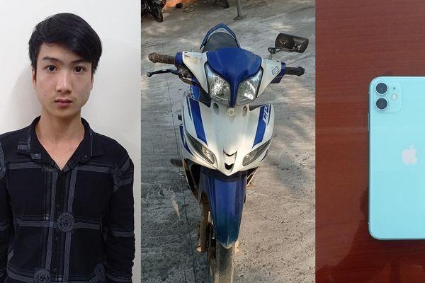 Nam thanh niên áp sát cướp giật điện thoại của người đi đường giữa ban ngày ở Quảng Bình