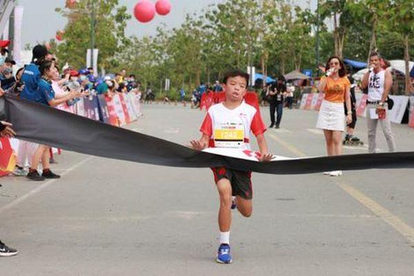 Hơn 500 trẻ em tham gia đường chạy Kids Run