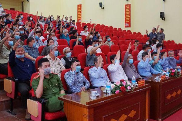Lấy ý kiến cử tri khu 8, phường Hồng Hải, TP Hạ Long, đối với người ứng cử đại biểu Quốc Hội khóa XV, HĐND tỉnh khóa XIV