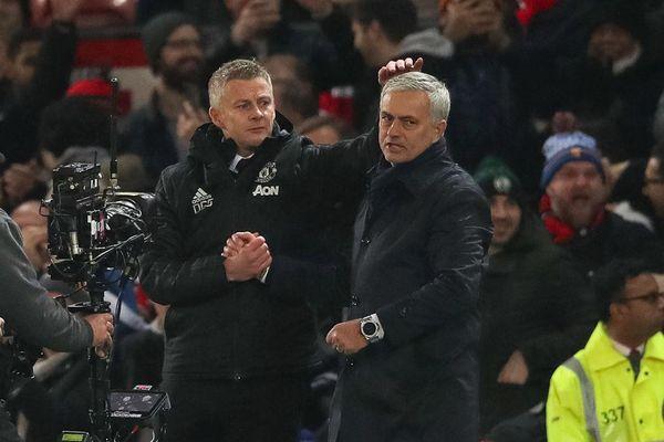 HLV M.U mỉa mai thâm sâu Mourinho trước đại chiến