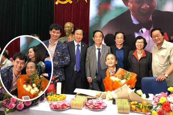 Showbiz 11/4: Xuân Bắc hào hứng đăng ảnh chụp cùng các thành viên dòng họ Nguyễn Lân