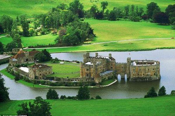 Những lâu đài ấn tượng nhất nước Anh