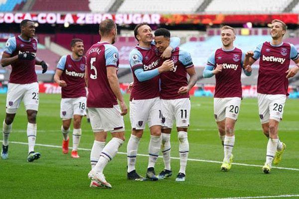 Kết quả West Ham 3-2 Leicester: Lingard tiếp tục thăng hoa, West Ham thắng 'trận cầu 6 điểm'
