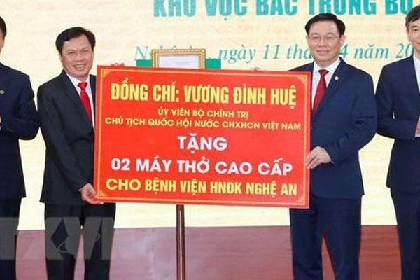 Chủ tịch Quốc hội Vương Đình Huệ thăm, làm việc tại Nghệ An