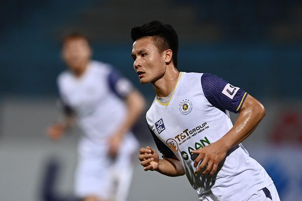 Quang Hải ghi bàn mừng sinh nhật lần thứ 24