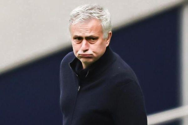 'Tottenham không may vì Pogba thoát thẻ đỏ'