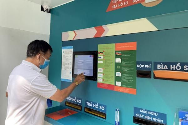 TP Hồ Chí Minh chính thức vận hành hệ thống 'tiếp nhận và trả hồ sơ tự động 24/7'