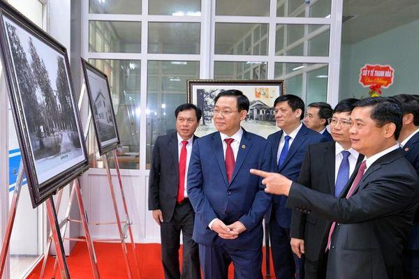 Chủ tịch Quốc hội Vương Đình Huệ thăm và làm việc tại Nghệ An