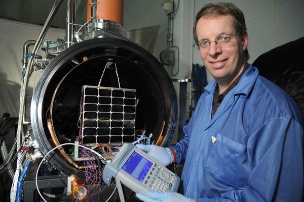 Hấp dẫn khai thác năng lượng mặt trời không gian