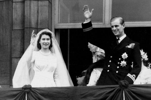 Chuyện tình lãng mạn của các cặp đôi hoàng gia nổi tiếng