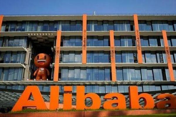 Bất chấp nhận án phạt 'khủng' 2,8 tỷ USD, cổ phiếu Alibaba bật tăng 8%