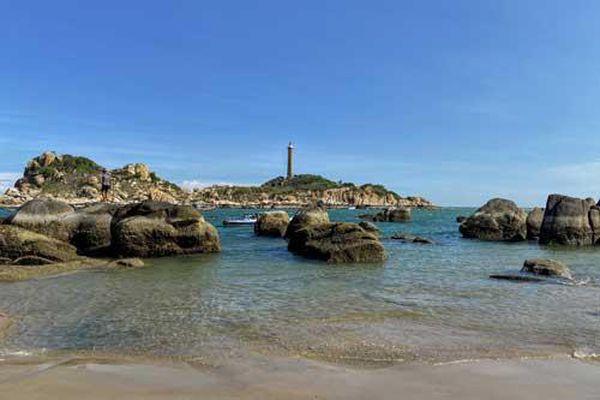 Đến Kê Gà, Bình Thuận ngắm hải đăng hoàng hôn và 'đi bộ' trên biển
