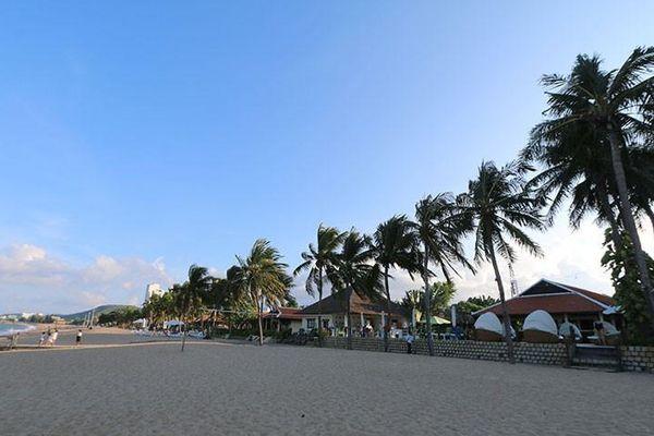 Lý do chậm giải tỏa bãi biển cho cộng đồng