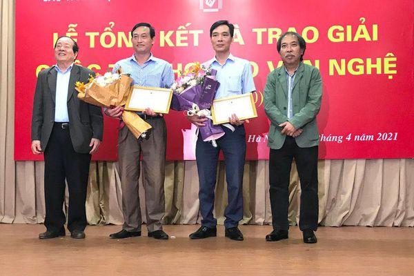 Chung quanh giải thưởng thơ của báo Văn Nghệ: Cần những ứng xử nhân văn