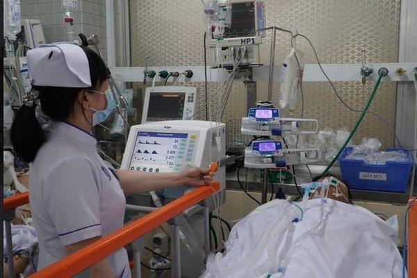 Cứu sống nam thanh niên 27 tuổi ở An Giang bị dao đâm vào ngực trái