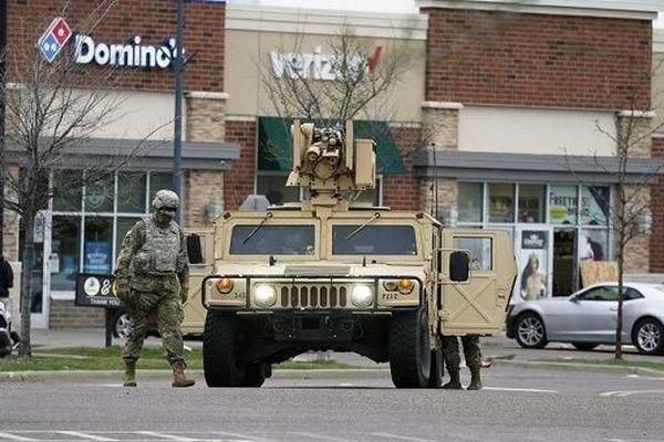 Hàng loạt cửa hàng bị cướp phá, Mỹ điều động vệ binh quốc gia