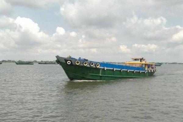 Phương tiện thủy thiếu còi, đèn tín hiệu bị phạt đến 7 triệu đồng