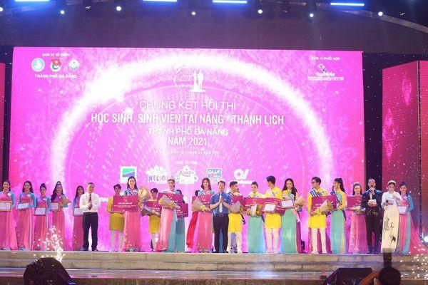 Thí sinh Tài năng Thanh lịch thành phố Đà Nẵng 2021 đăng quang dưới trời mưa tầm tã