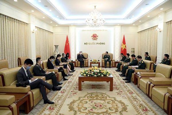 Bộ trưởng Quốc phòng tiếp Đại sứ đặc mệnh toàn quyền các nước
