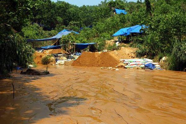 Kiến nghị xem xét lại việc đóng cửa mỏ vàng Bồng Miêu