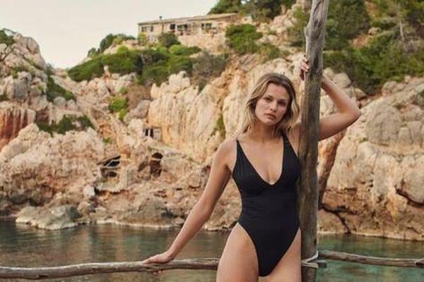 Siêu mẫu Edita Vilkeviciute khoe dáng với áo tắm