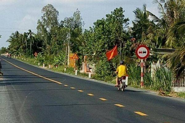 Thảm bê tông nhựa mặt đường tuyến Quản Lộ - Phụng Hiệp đạt 100%