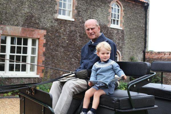 Kate và William giúp các con xoa dịu nỗi mất mát về sự ra đi của Hoàng thân Philip