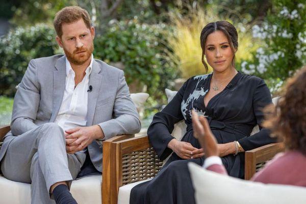 Meghan Markle 'sẵn sàng tha thứ' cho Hoàng gia sau sự ra đi của Hoàng thân Philip