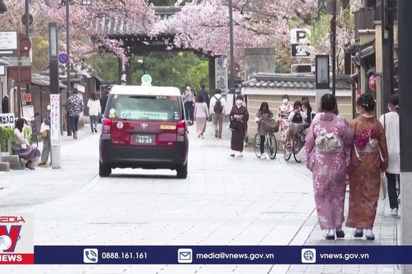 Nhật Bản, Hàn Quốc đối mặt làn sóng COVID-19 thứ 4