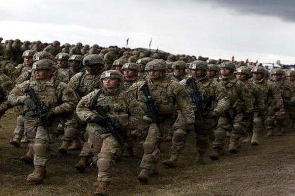 NATO tập trung 40.000 binh sĩ cùng nhiều thiết bị quân sự gần biên giới Nga