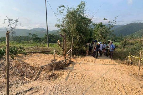Người dân Huế lập hàng rào chặn thi công cao tốc Cam Lộ - La Sơn